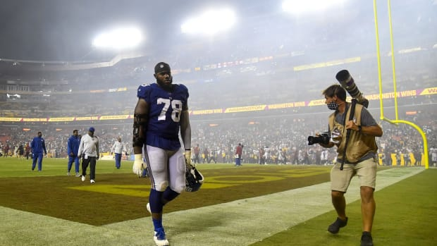 Sep 16, 2021; Landover, Maryland, USA; New York Giants offensive tackle Andrew Thomas (78) walks off the field after a loss to the Washington Football Team at FedExField.