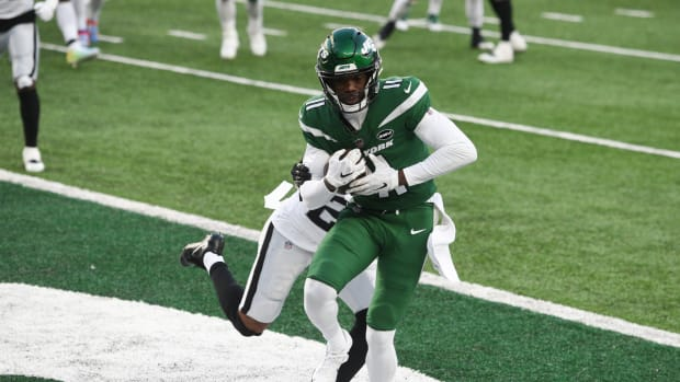 Denzel Mims catches pass in end zone