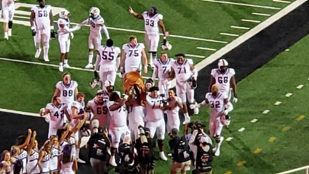 TCU defeats Texas Tech 52-21