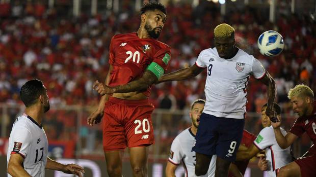 Panama's Anibal Godoy scores vs. the USMNT