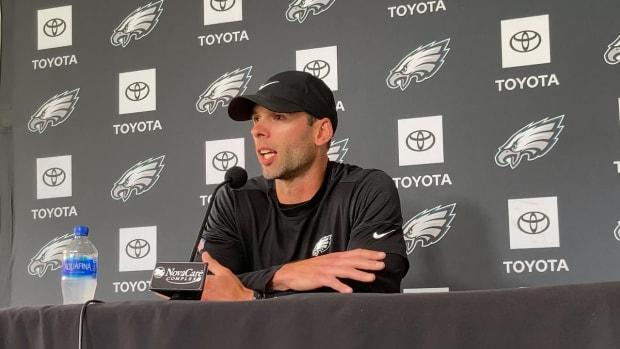 Eagles defensive coordinator Jonathan Gannon