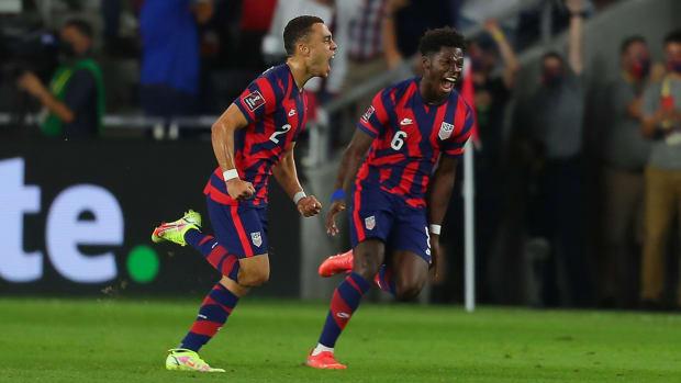 Sergino Dest scores for the USMNT vs Costa Rica