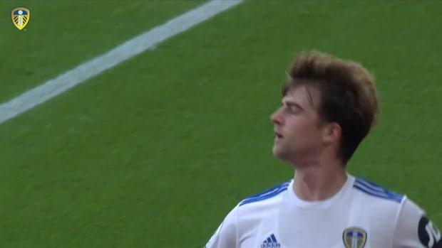 Bamford helps Leeds win at St Mary's