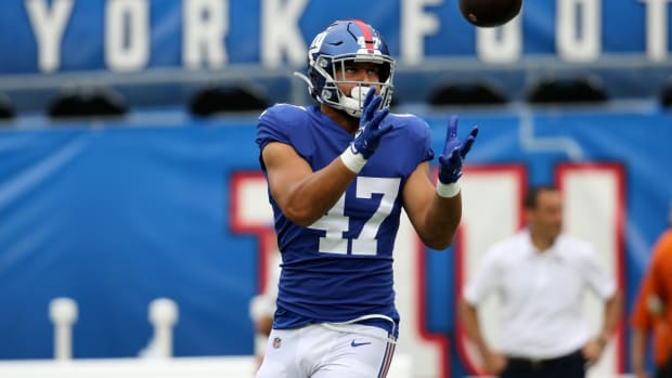 Cam Brown, of the New York Giants, gets ready to make a catch, during pregame practice. Thursday, August 26, 2021