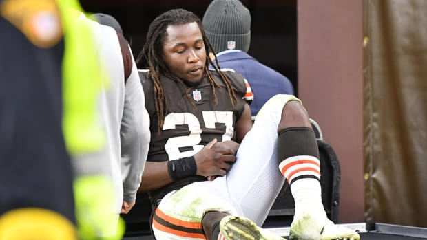 Kareem Hunt being carted off with an injury.