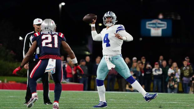 Dak Prescott attempting a pass vs. the Patriots.