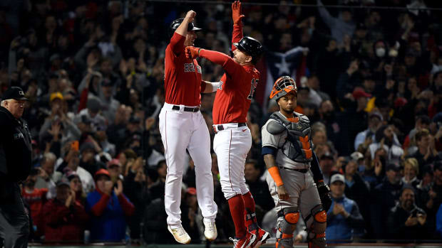1-red-sox-stros-game3