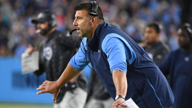 Tennessee Titans head coach Mike Vrabel during the second half against the Buffalo Bills at Nissan Stadium.