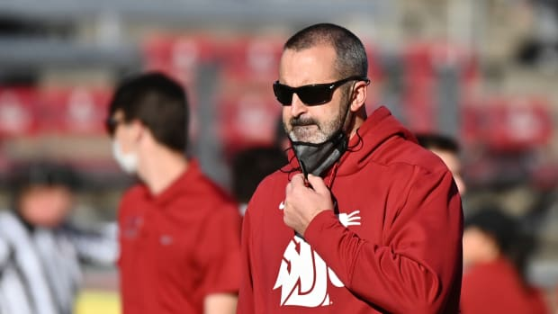 Washington State coach Nick Rolovich on the sidelines