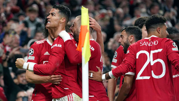 Cristiano Ronaldo scores the winner for Man United vs. Atalanta