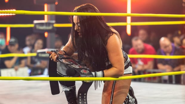 Deonna Purrazzo holding the Impact Wrestling Knockouts title