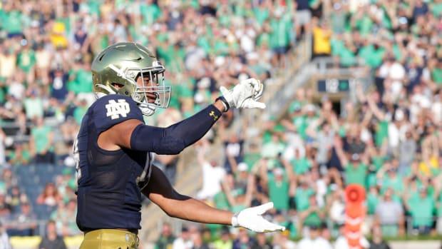 Kyle Hamilton with Notre Dame.