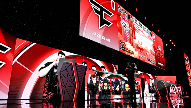 100 Thieves play against Faze Clan during the Call of Duty League Finals e-sports event.