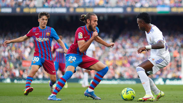Barcelona-Real-Madrid-Clasico-Scenes
