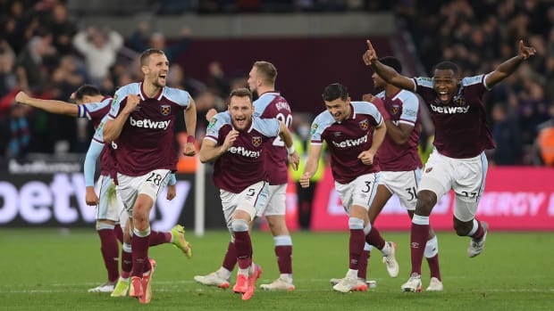West Ham ousts Man City from the League Cup