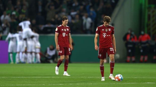 Borussia Monchengladbach beats Bayern Munich in the DFB Pokal