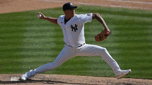 Yankees RP Jonathan Loaisiga pitching at Yankee Stadium