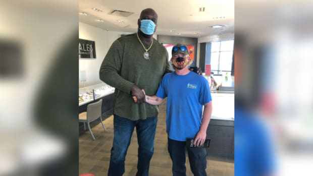 Shaquille O'Neal at Zales Jewelers