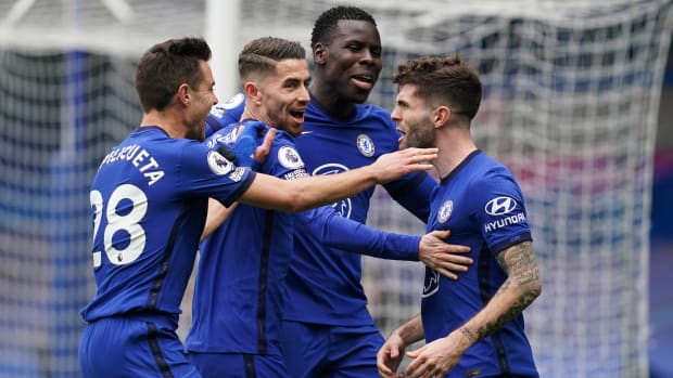 Chelsea celebrate Christian Pulisic's goal.