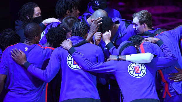 Jan 20, 2021; Los Angeles, California, USA; Los Angeles Clippers players huddle before the game against the Sacramento Kings at Staples Center. Mandatory Credit: Jayne Kamin-Oncea-USA TODAY Sports