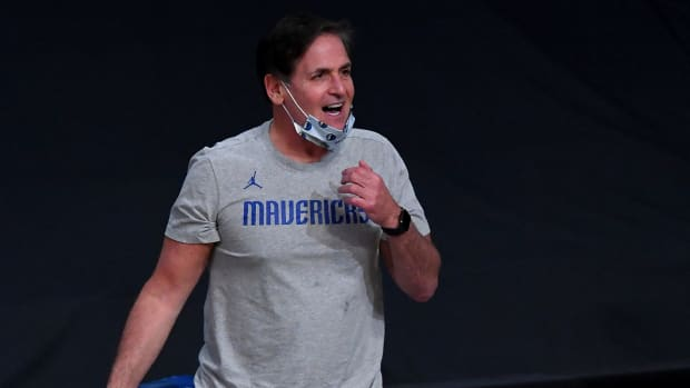 Mark Cuban on the sidelines during a Mavericks game.