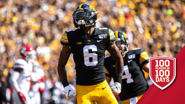 Iowa wide receiver Ihmir Smith-Marsette (6) celebrates with teammates after scoring a touchdown during a NCAA Big Ten Conference football game against Rutgers, Saturday, Sept. 7, 2019, at Kinnick Stadium in Iowa City, Iowa. 190907 Rutgers Iowa Fb 024 Jpg