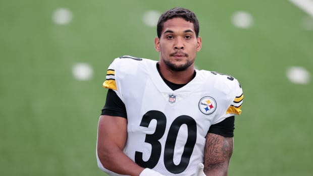 Steelers running back James Conner