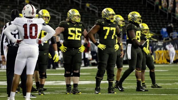 Offensive line vs. Stanford 2020