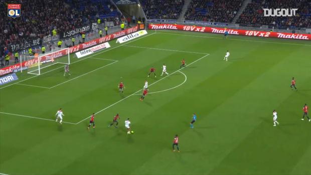 Léo Dubois first Ligue 1 goal with Lyon