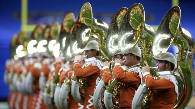 texas-longhorns-band