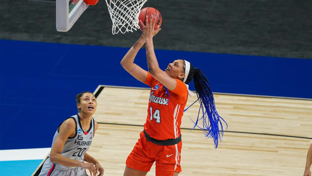 Mar 23, 2021; San Antonio, Texas, USA; Syracuse Orange center Kamilla Cardoso (14) shoots in the first half against the UConn Huskies at the Alamodome.