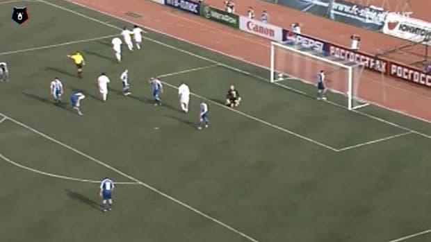 Keisuke Honda's assist against Sibir Novosibirsk