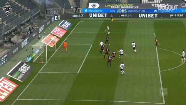 Florian Neuhaus' brilliant assist vs Frankfurt