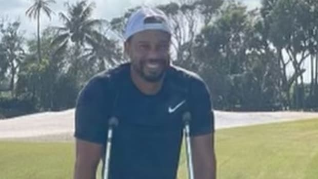 Tiger Woods shares first photo since his automobile accident in February 2021