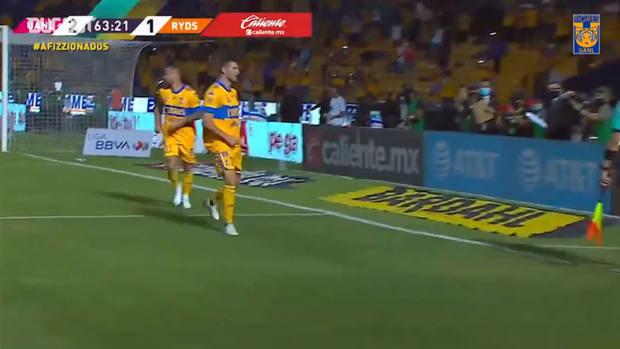 Gignac's penalty winner against Monterrey