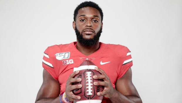 Ohio State Buckeyes linebacker Baron Browning was among 14 former Ohio State players to receive invitations to the NFL scouting combine.