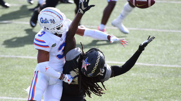 Vanderbilt Commodores wide receiver Chris Pierce Jr. (19) is unable to make a catch as he is defended by Florida Gators defensive back Marco Wilson (3) during the first half at Vanderbilt Stadium.