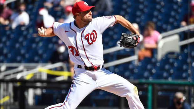 Max Scherzer throws a pitch.