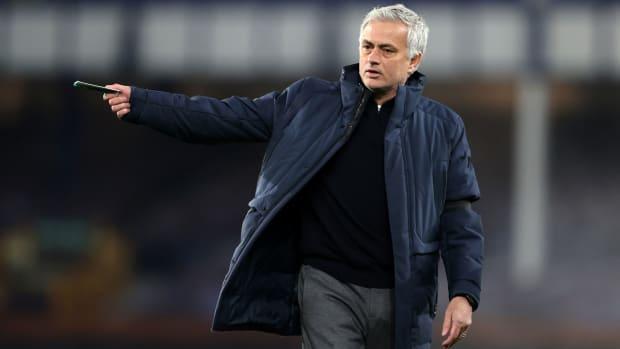 Roma hires Jose Mourinho as manager