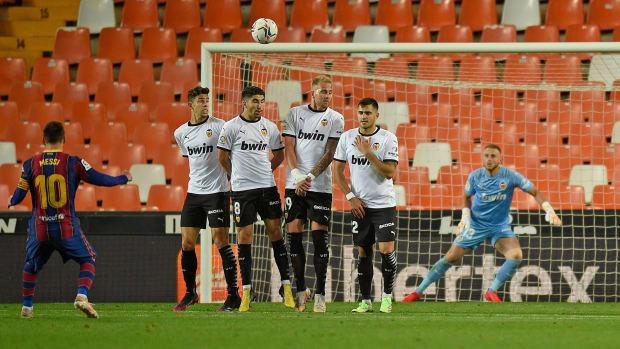 Messi-Free-Kick-Valencia