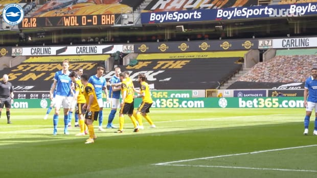 Pitchside: Lewis Dunk powers home vs Wolves