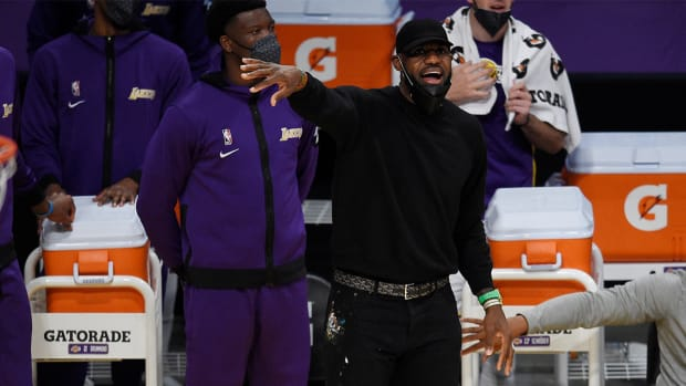 Lakers star LeBron James on the sidelines