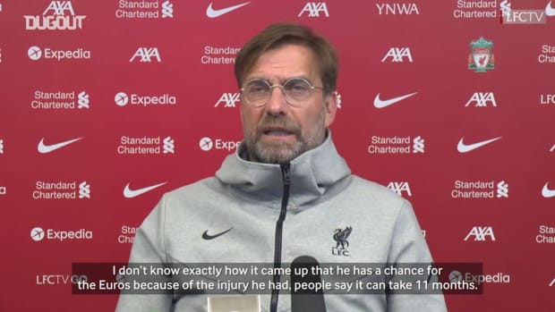 Klopp gives Van Dijk update and previews Man United