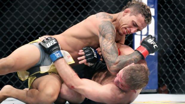 UFC MMA Charles Oliveira