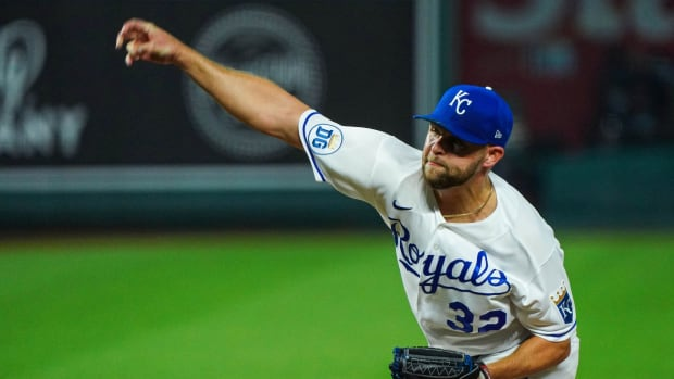 Aug 31, 2020; Kansas City, Missouri, USA; Kansas City Royals relief pitcher Jesse Hahn (32) pitches against the Cleveland Indians during the seventh inning at Kauffman Stadium. Mandatory Credit: Jay Biggerstaff-USA TODAY Sports