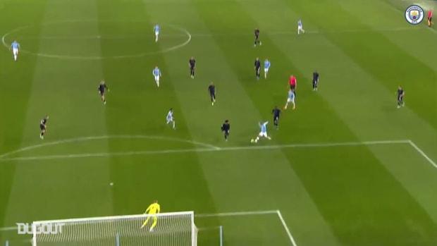 Gabriel Jesus' fine double sinks Everton
