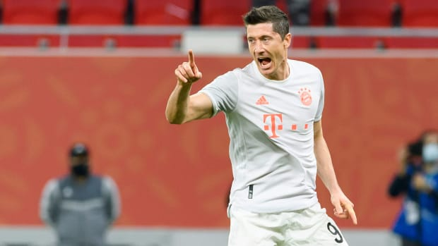 Robert-Lewandowski-Goal-Record-Bundesliga