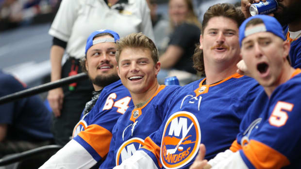 Jets QB Zach Wilson at Islanders Game