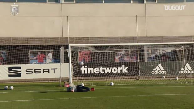 Gonzalo Villar's amazing goals in Spain U21 training