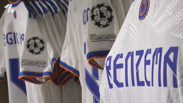 The fans get a taste of the new Real Madrid kit